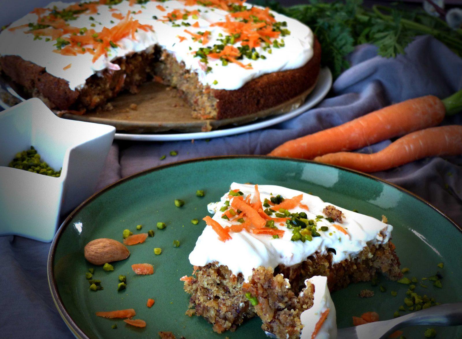 Rüblikuchen vegan Rezept GewusstVegan Karottenkuchen Ostern Frischkäsetopping